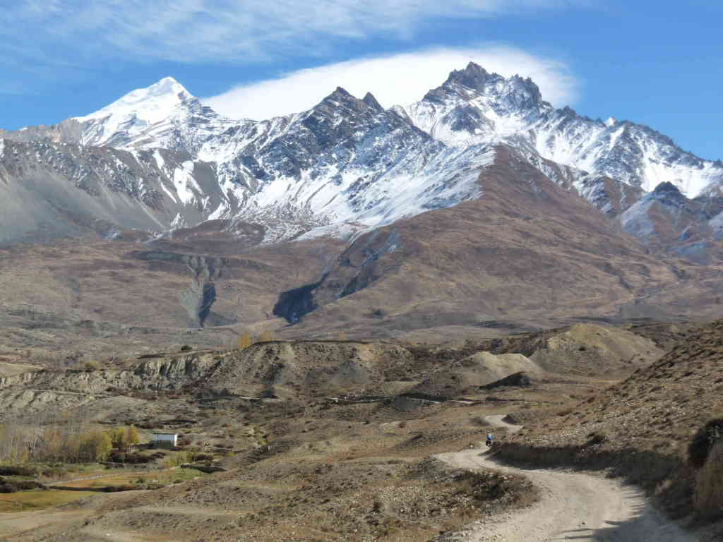 cycling to Muktinath  (Annapurna-circuit)